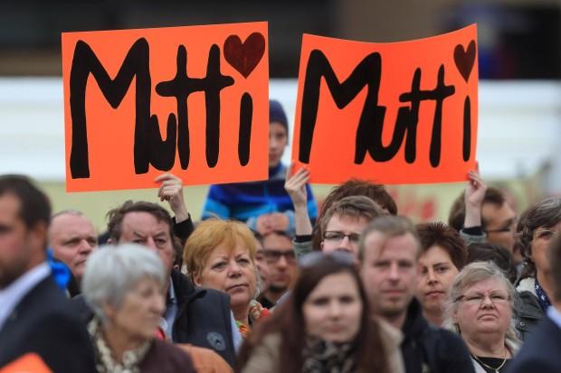 http://www.lesauterhin.eu/wp-content/uploads/2013/10/CDU-Wahlkampf-Merkel.jpg