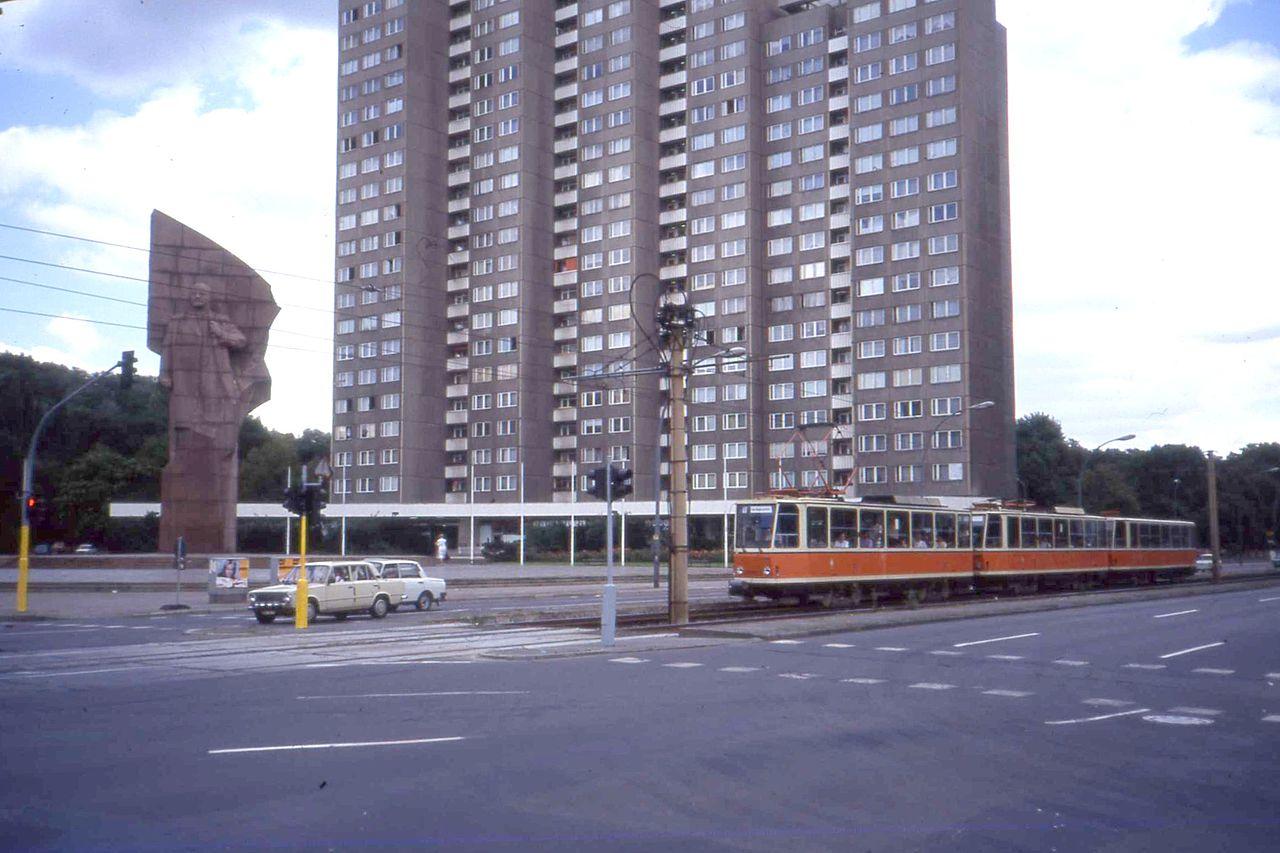 Berlin,_Tatra_T6A2+T6A2+B6A2_(2)