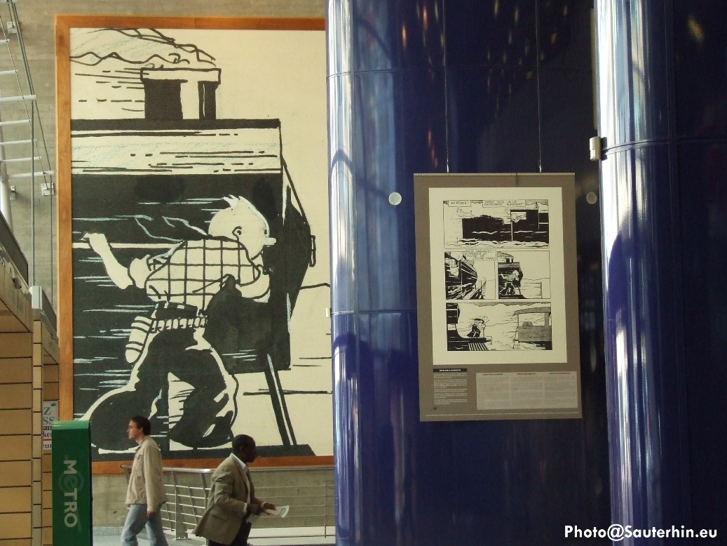 Extrait de «Tintin enAmérique», la version noir et blanc de Hergé (1932), en décor dans la gare de Bruxelles-Midi